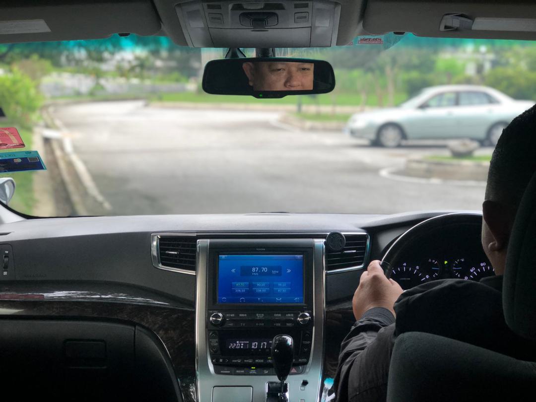 vellfire alphard starex chauffeur KL service