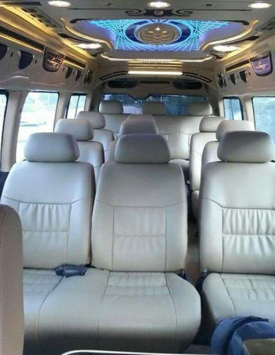 van 18 seaters chauffeur KL service